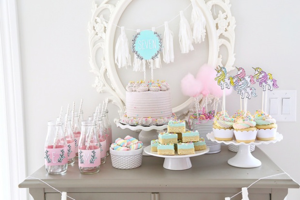 Unicorn sweets table